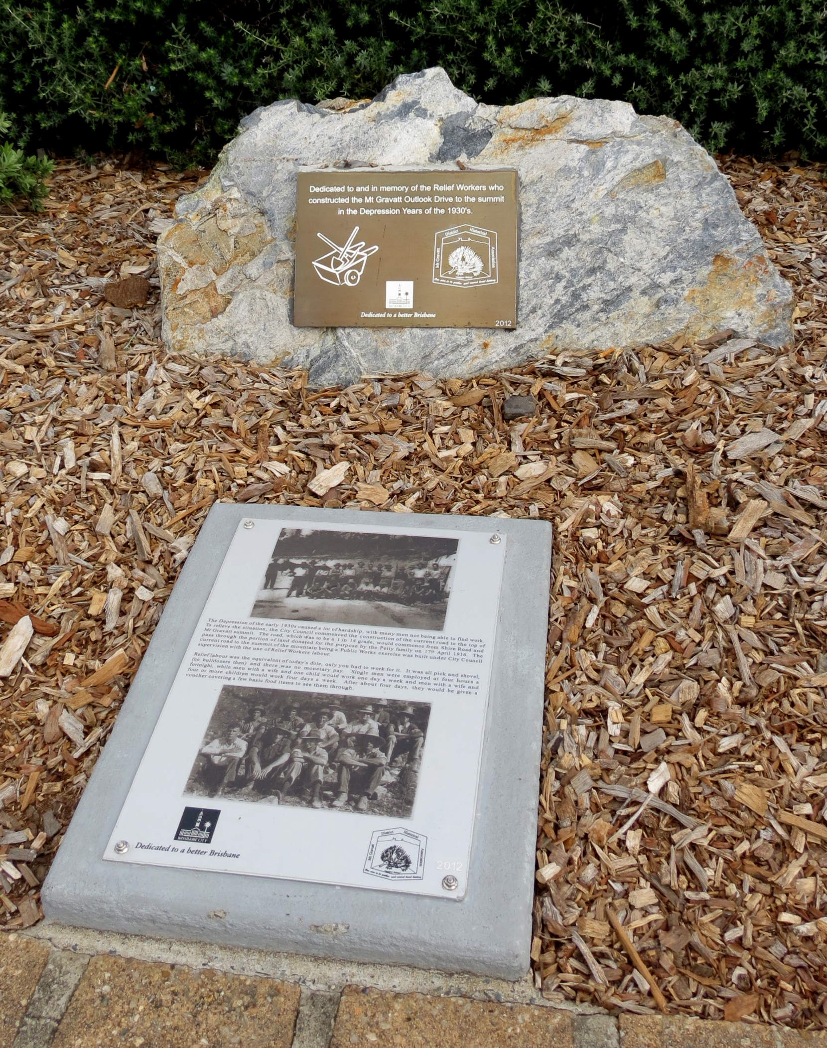 Historical Societ plaque - 10 Feb 2014